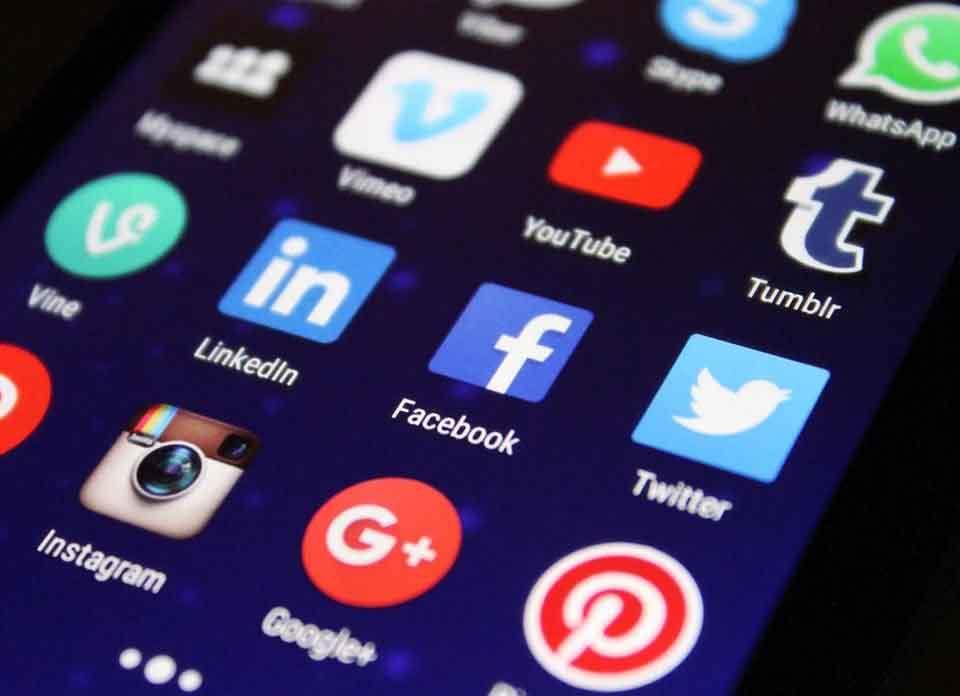 Social media strategy (Product Photo Editing)