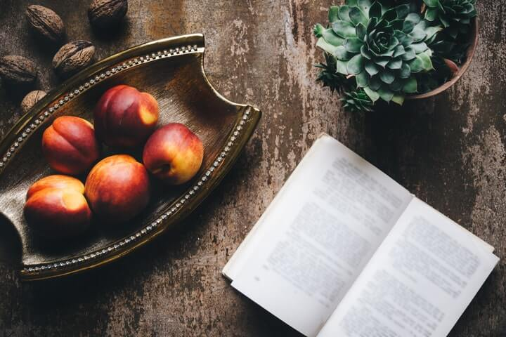 Foods and books - Food Photography guide