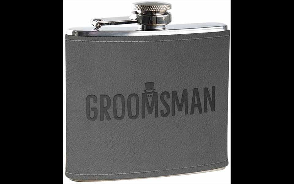 Best groomsmen gifts: Flask