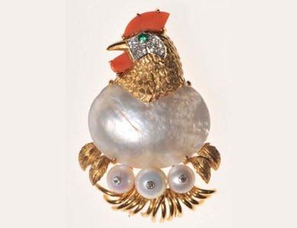 hen with eggs earring