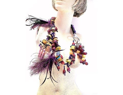 indisciplined necklace