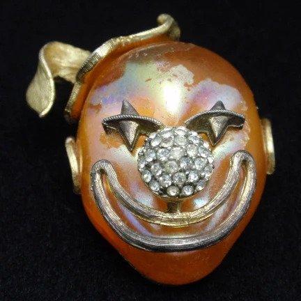 lisner creepy clown pin