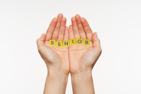 senior picture ideas fumble tiles